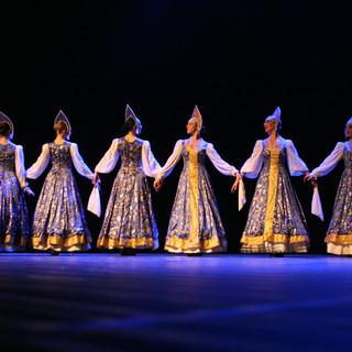Danseuses Russes Traditionnelles