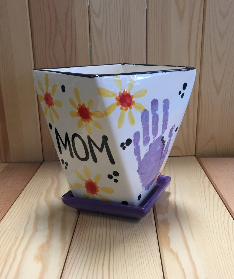 MOM w/ Daisies