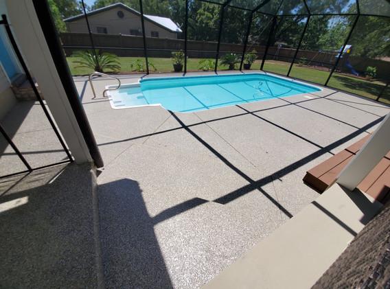 Pool deck flake with custom blend
