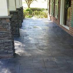 Ashlar tile in dark gray