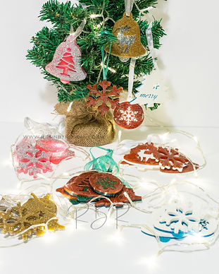 Set of 5 handamde resin Christmas decora