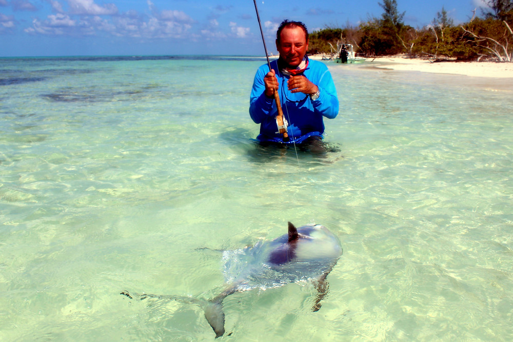 Guide Felipe Rodriguez Alonso working a permit in Las Salinas