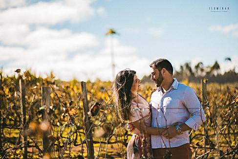 Iluminar-Fotografia-e-Filmes-de-Casamento-E-session-Ensaio-Pré-wedding-Ensaio-Pré-Casamento-Bruna-e-Rafael-Fotos-Jardim-Botanico-Jundiaí-Por-d-Sol-Plantação-de-Trigo