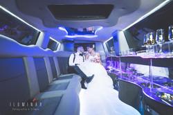 Noivos no Carro Casamento Louveira
