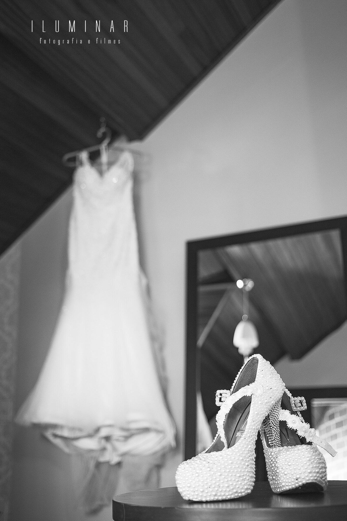 Vestido e Sapato da Noiva Casamento