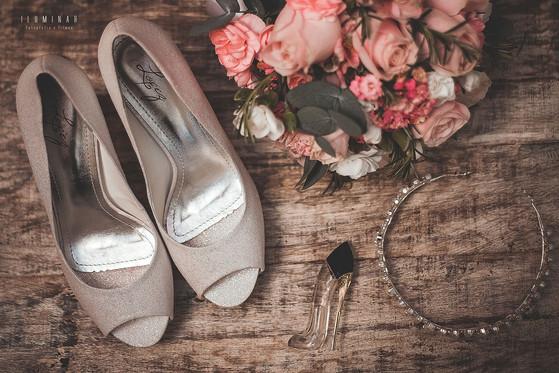 assessorios da noiva casamento no campo
