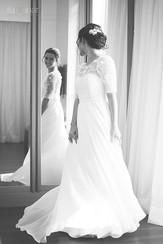 Dia da Noiva - Noiva no Espelho Rodando o Vestido -Sandra Costa Make Up São Paulo