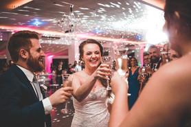 brinde dos noivos casamento no interior