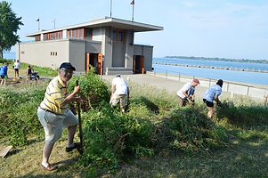 FLW boathouse and rotary volunteers.png