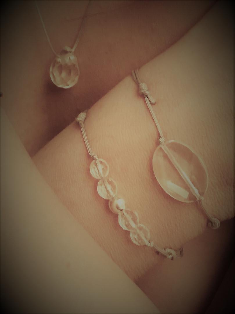 art_brut_peyro_clabado_bracelets_quartz.