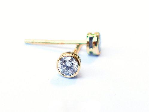 1 Single Bezel Set Round Brilliant Cut Diamond Earring