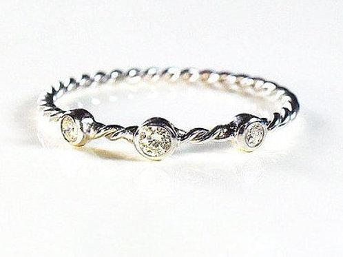 Twisted 3 Diamond Ring