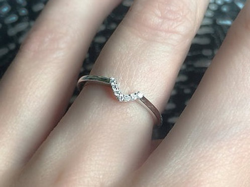 V Chevron Diamond Nesting Ring