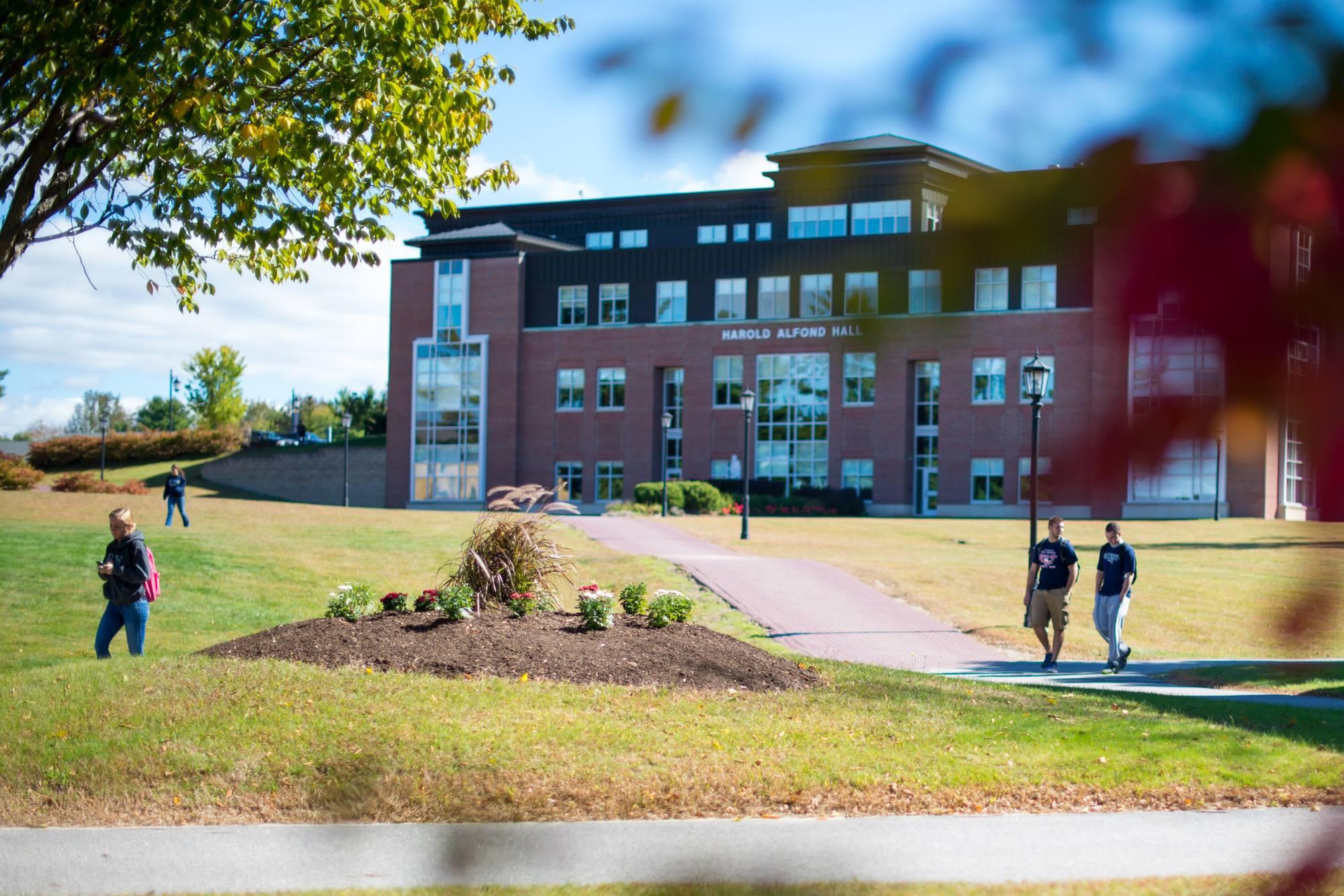 Saint Joseph College Of Maine >> Saint Joseph S College Of Maine College Transfer Guide