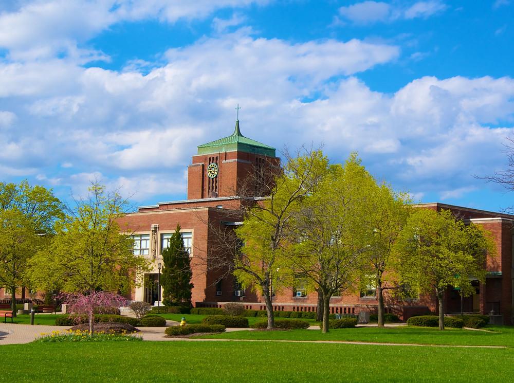 Le Moyne College - College Fair Guide