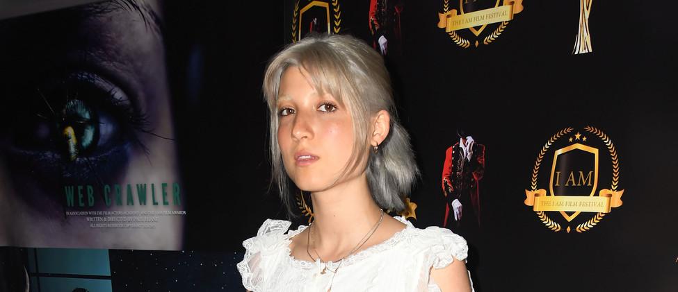 Laura (1).jpg