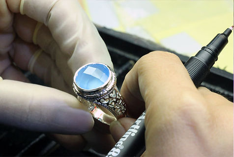Jewelry_QC_Polish.jpg