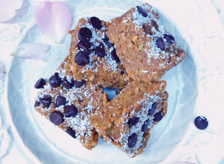 Chocolate Chip Cookie Dough Bars : Raw/Vegan