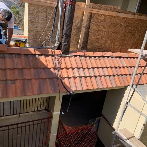 Best Western roof repair by JCR Construc