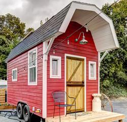 Barn Tiny House at Tiny Digs Hotel