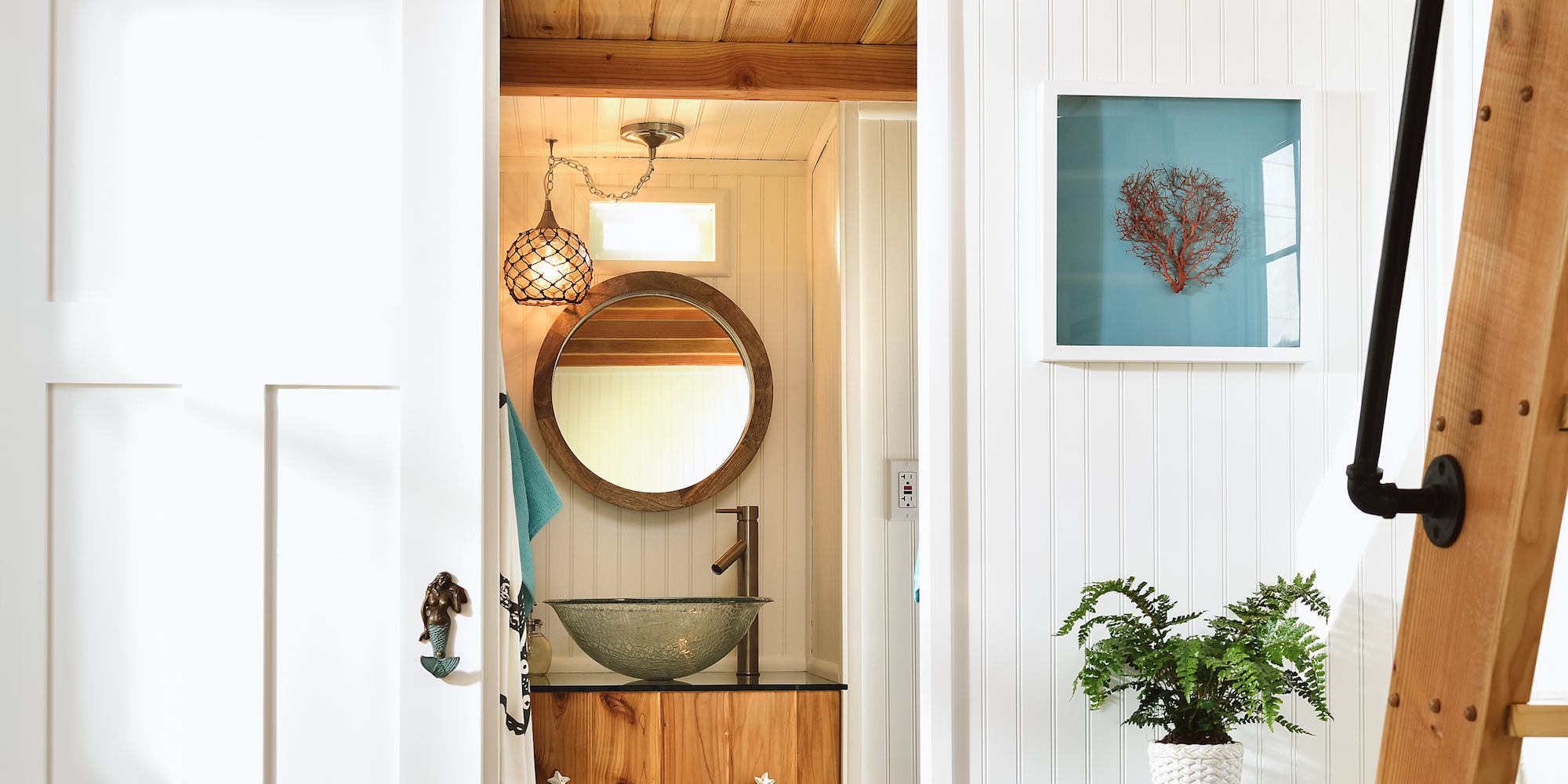 Beach Tiny House Hotel Bathroom