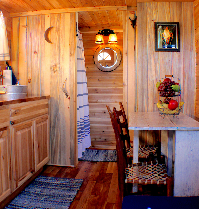 Cabin Tiny House at Tiny Digs Hotel