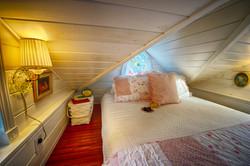 cottage tiny house loft