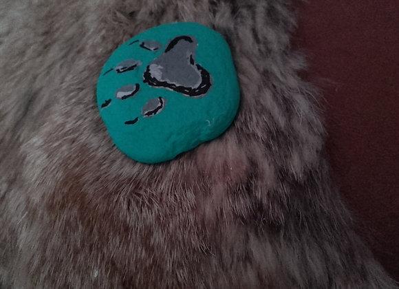 Pierre medecine peinte à la main - patte de loup - ref: Wolf paw 11