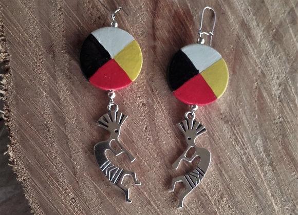 Boucles d'oreilles roue médecine 4 couleurs, Kokopelli  - ref: BO 1MW6