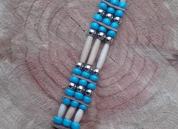 Bracelet Amérindien, 3 rangs,  cuir, os, perles de verre - Ref: B 307