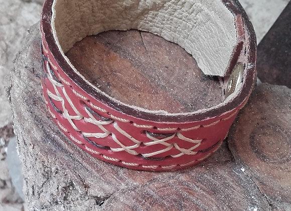 Bracelet en cuir marron - Motif croix en fil coton ciré: Ref : BL 30