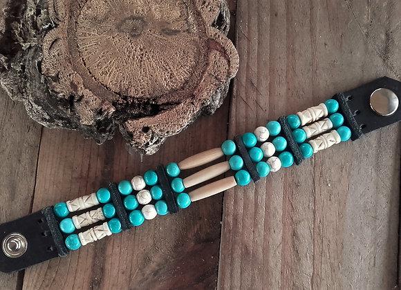 Bracelet Amérindien, cuir os et perles howlite turquoise - Ref: B 317
