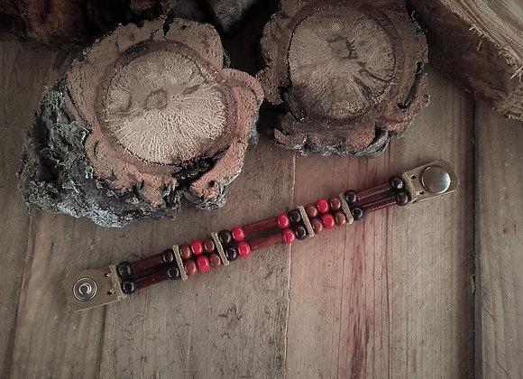 Bracelet style Amérindien, 2 rangs, cuir et perles bois - Ref: B 275