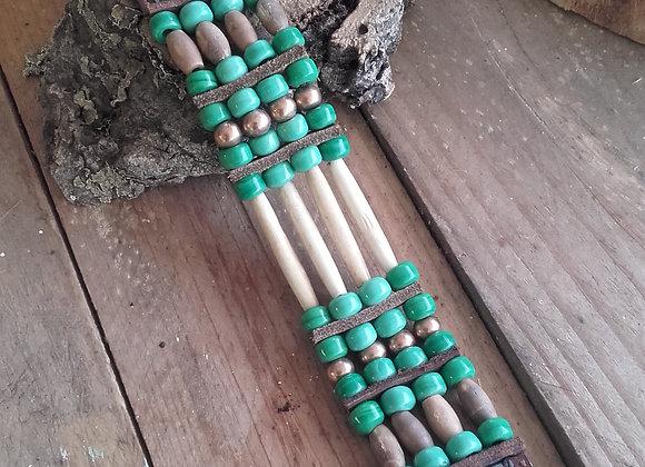 Bracelet Amérindien 4 rangs os, perles de verre vertes - Ref:B 336