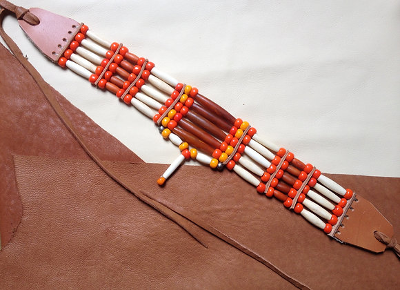 Choker style Amérindien 5 rangs os, corne et perles de verre - ref: C 47