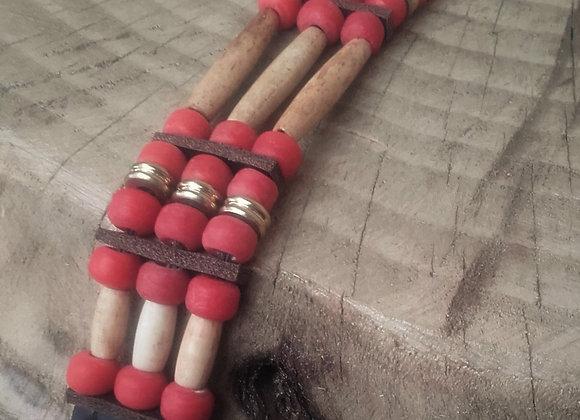 Bracelet Amérindien, 3 rangs, cuir, os, perles de verre rouge - Re: B 308