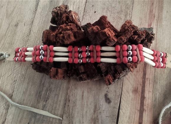 Choker style Amérindien 3 rangs os et perles de verre rouge tomate - ref: C 25