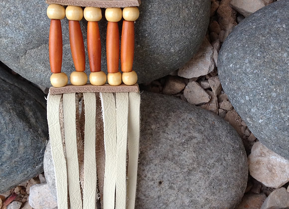 Porte cles  en corne véritable  et perles de bois - ref: KC 17
