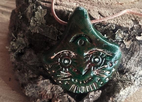 Pendentif terre cuite verte et beige - style masque - ref: Pmex10