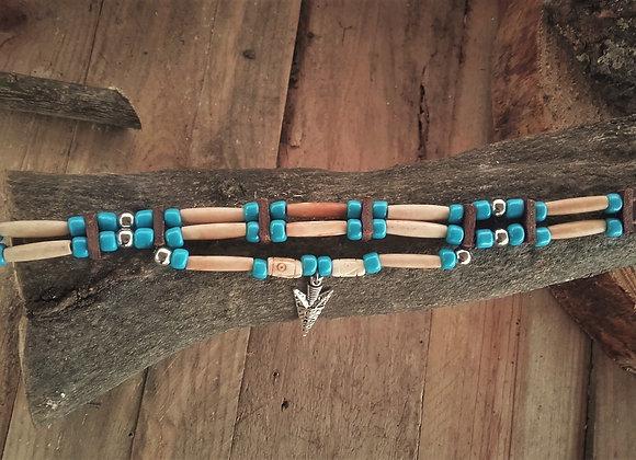 Choker Amérindien 3 rangs os, perles de verre et pointe de flèche - ref: C 109