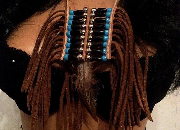 Collier pendentif frangé, corne noire  perles de verre et cuir - ref: N2