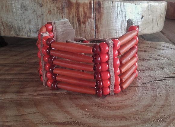 Bracelet  Amérindien, 6 rangs,corne et perles de verre - Ref: B352