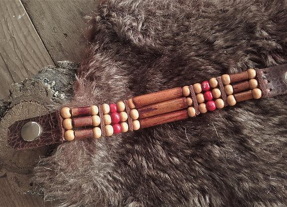 Bracelet style Amérindien, 3 rangs, perles bois beige et rouge - Ref: B 344