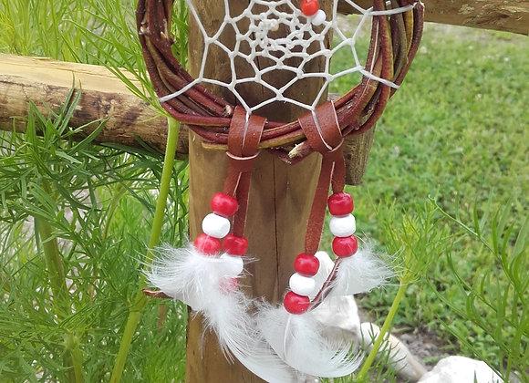 Attrape rêves  bois naturel , perles bois blanches et rouges - ref: DC 180711