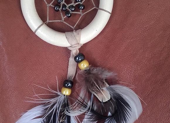 Attrape rêves bois peint en beige et perles de verre - ref: DC 140103