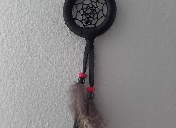 Attrape rêves bois peint en noir - perles  noire et rouge - ref: DC 180601