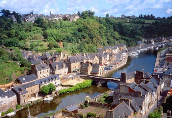 france-brittany-dinan-river.jpg