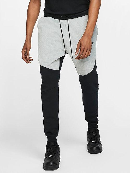 Nike Tech Fleece Jogger (Black/Grey)