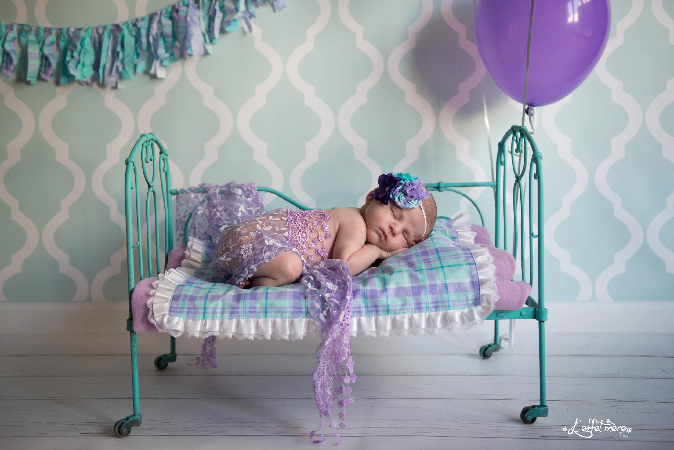 Séance nouveau-né par l'effet mère