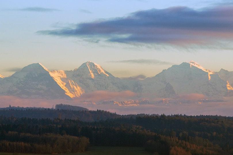 mountains-3964329_1920.jpg